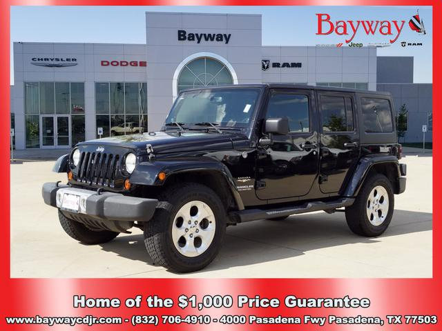 Pre-Owned 2013 Jeep Wrangler Unlimited SAHA