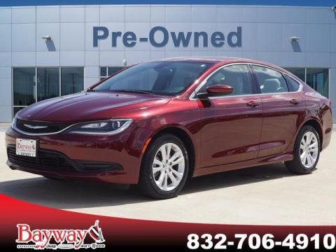 PRE-OWNED 2016 CHRYSLER 200 TOURING FWD SD